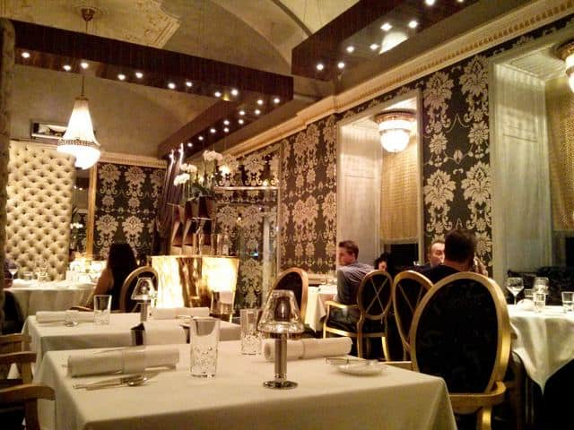 Experiencing Decadence at Onyx Restaurant in Budapest | packmeto.com