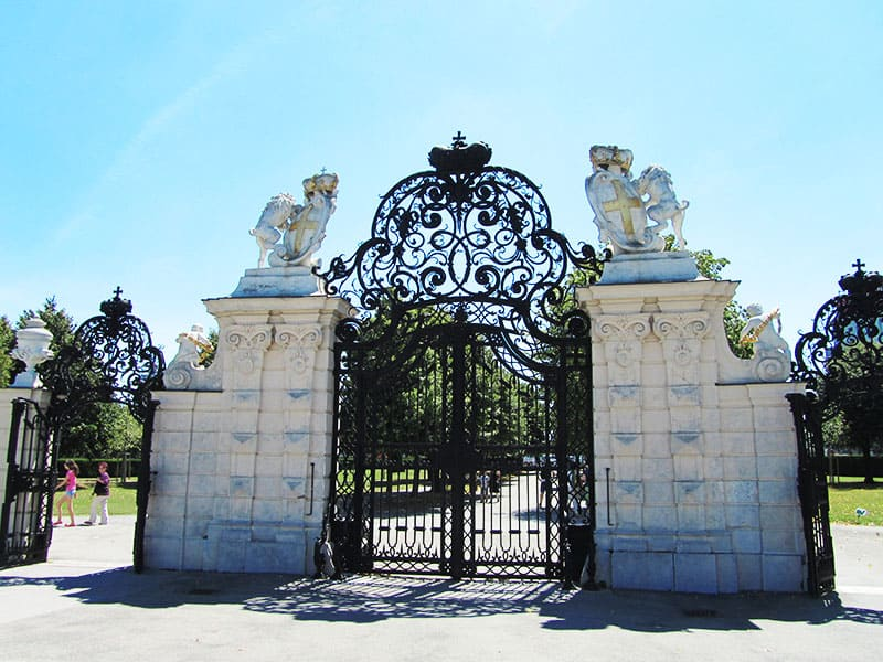 Gates of the Belvedere in Vienna | packmeto.com