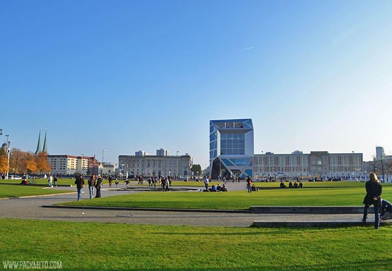 Berlin Green Space - Outside Berlinerdom