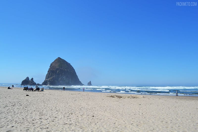 Cannon Beach + Haystack Rock | Highlights from Roadtripping Through Oregon | packmeto.com