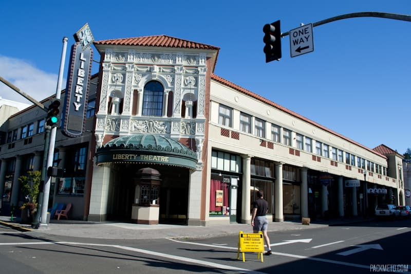 Liberty Theatre | 3 Hours in Astoria Oregon | packmeto.com