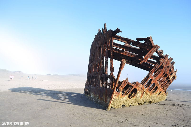 Peter Iredale Shipwreck | Highlights from Roadtripping Through Oregon | packmeto.com