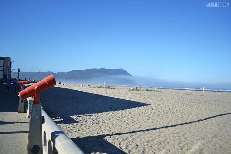 Seaside Beach with Fog | Highlights from Roadtripping Through Oregon | packmeto.com