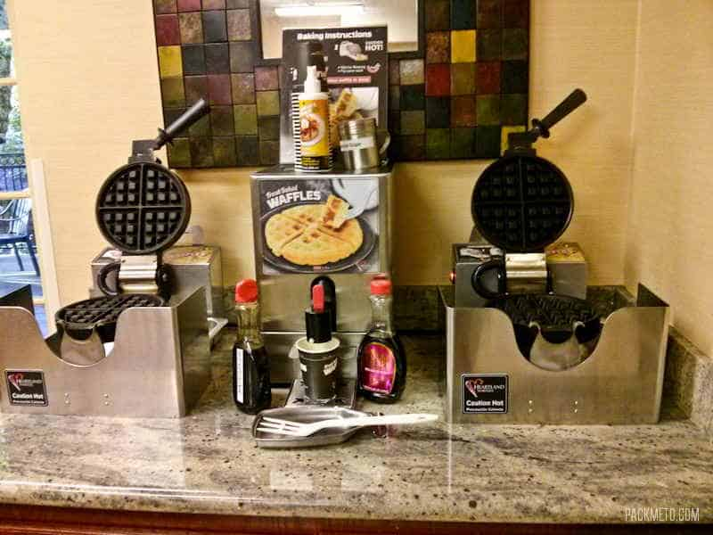 Eugene Phoenix Inn & Suites Breakfast