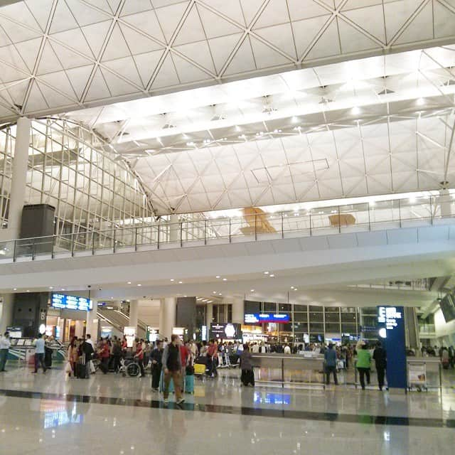 Hello Hong Kong Airport | packmeto.com