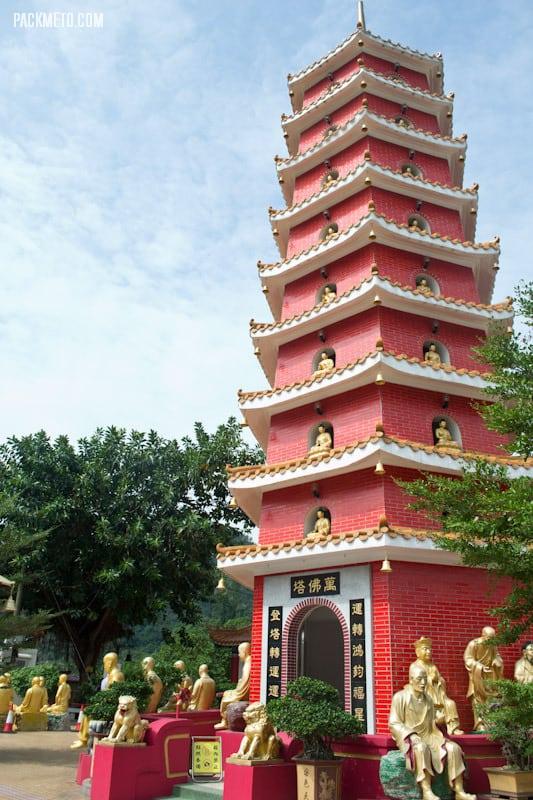 9 Storey Pagoda - Ten Thousand Buddhas Monastery Hong Kong | packmeto.com