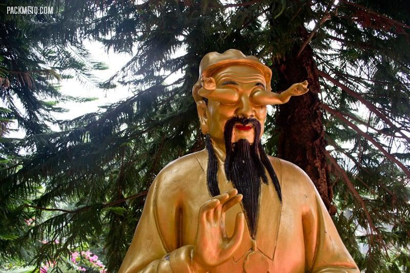 Random Statue - Ten Thousand Buddhas Monastery Hong Kong | packmeto.com