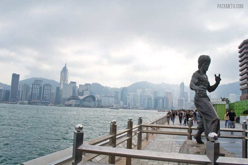 Avenue of the Stars Bruce Lee Statue - 7 Free Things to Do in Hong Kong | packmeto.com