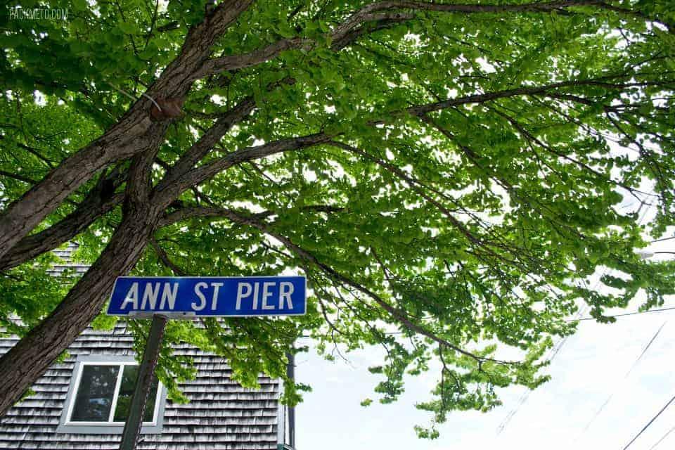 Newport Rhode Island Street Sign | packmeto.com