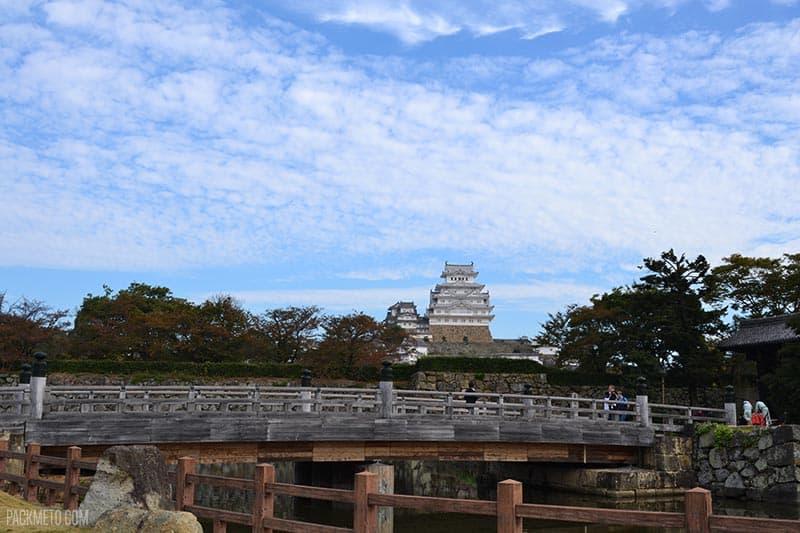 Himeji Castle | @packmeto