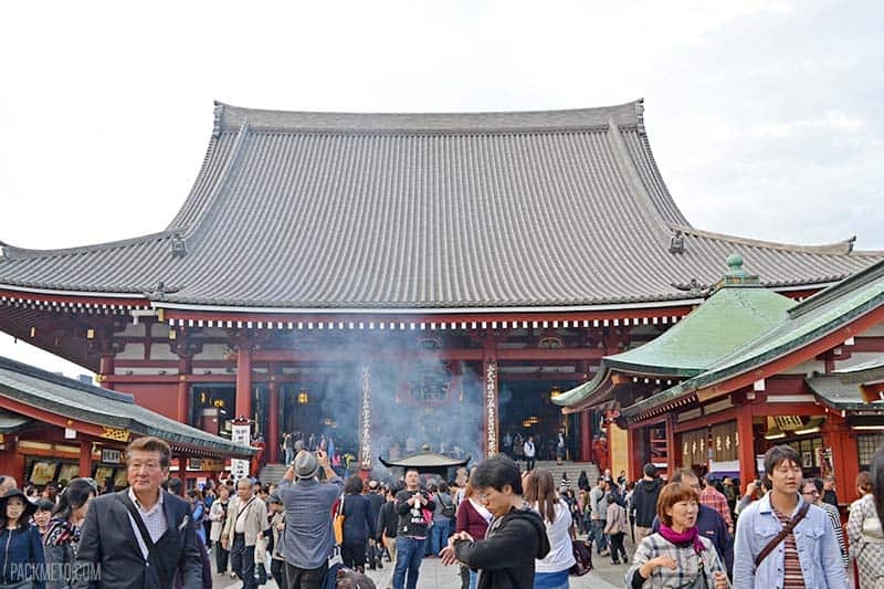 Outside Senso-ji temple | @packmeto