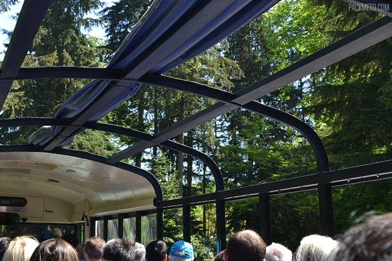 Hop On Hop Off Bus in Stanley Park | packmeto.com
