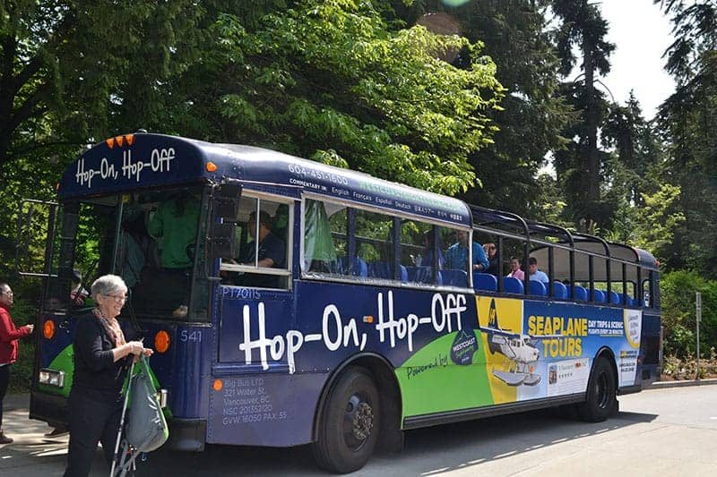 Hop On Hop Off Bus Vancouver | packmeto.com