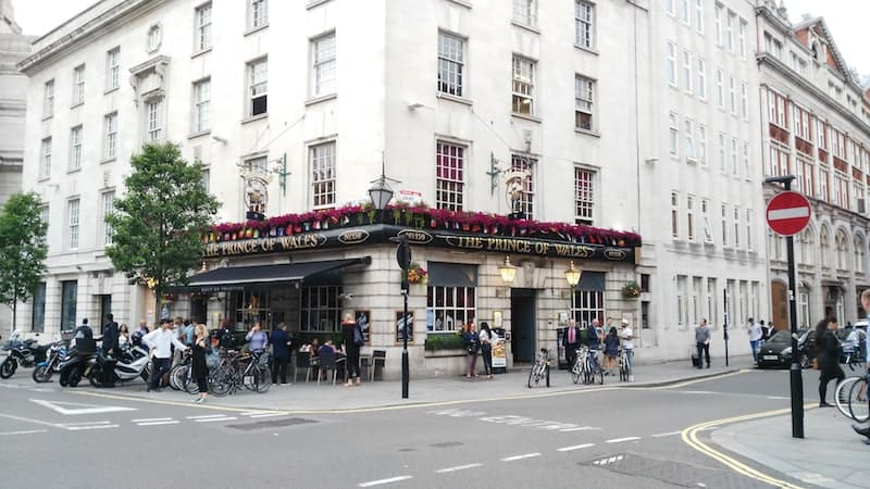 price-of-wales-pub-london-lili